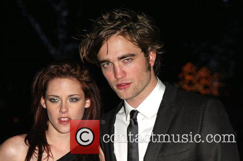 Kristen Stewart and Robert Pattinson 11
