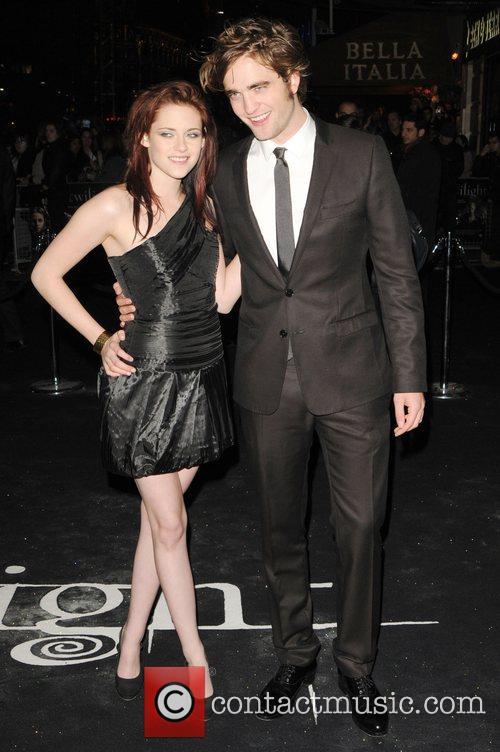 Kristen Stewart and Robert Pattinson 8