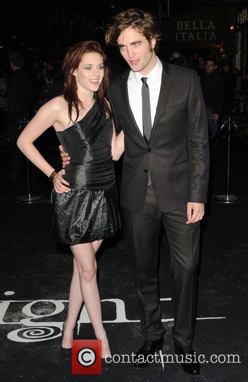 Kristen Stewart and Robert Pattinson 10
