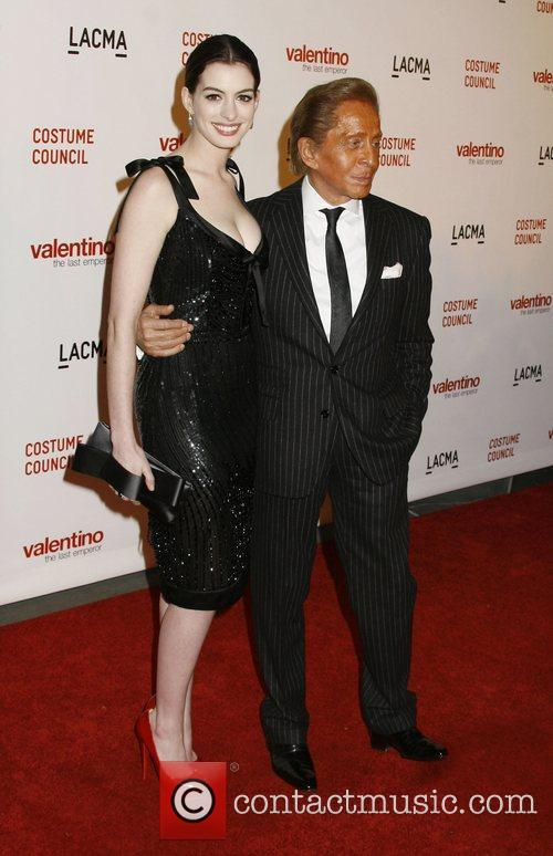 Anne Hathaway and Valentino Garavani 3