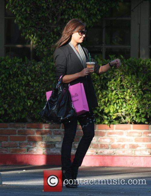 Vanessa Minnillo leaves a Starbucks coffee in Bel...