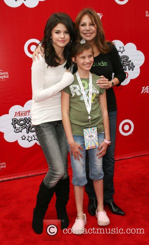 Selena Gomaz and Marlo Thomas   Target...