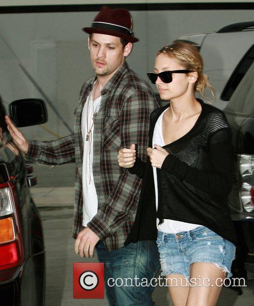 Nicole Richie and boyfriend Joel Madden attends Cruz...