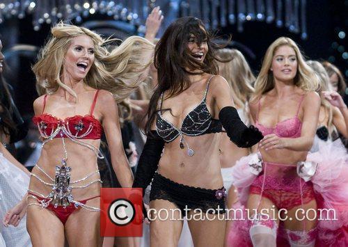 Victoria's Secret Angel, Heidi Klum, left and models...