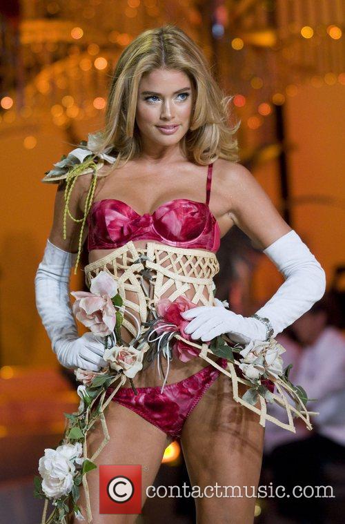 Victoria's Secret Angel Doutzen Kroes walks the runaway...