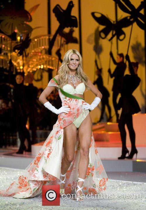 Victoria Secret Angel Heidi Klum walks the runaway...