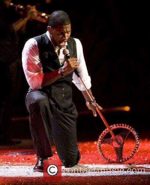 Usher 2008 Victoria's Secret Fashion Show at the...