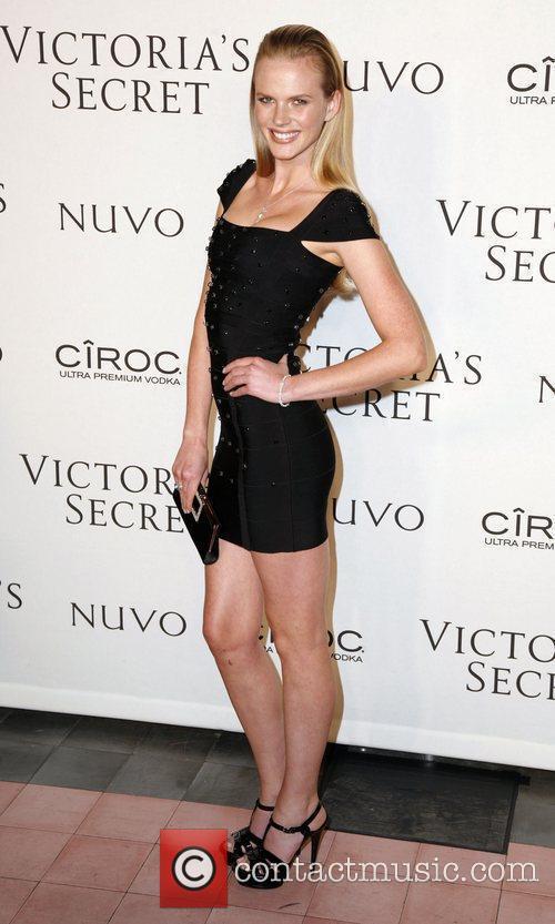 Anne V  Victoria's Secrets 2009 presents 'What...