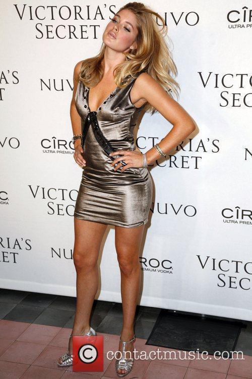 d689d11b77 Doutzen Kroes - Victoria s Secrets 2009 presents  What is Sexy ...