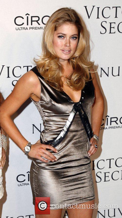 Doutzen Kroes  Victoria's Secrets 2009 presents 'What...