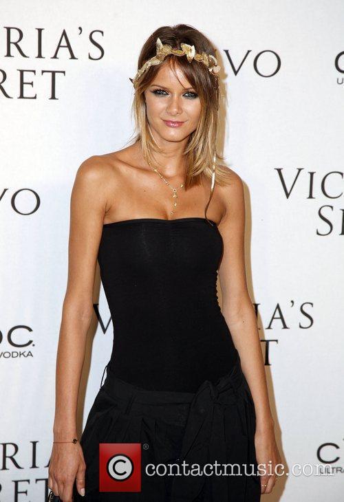 Flavia De Oliveira Victoria's Secrets 2009 presents 'What...