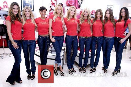 Alessandra Ambrosio, Heidi Klum, Karolina Kurkova, Marisa Miller and Selita Ebanks 1