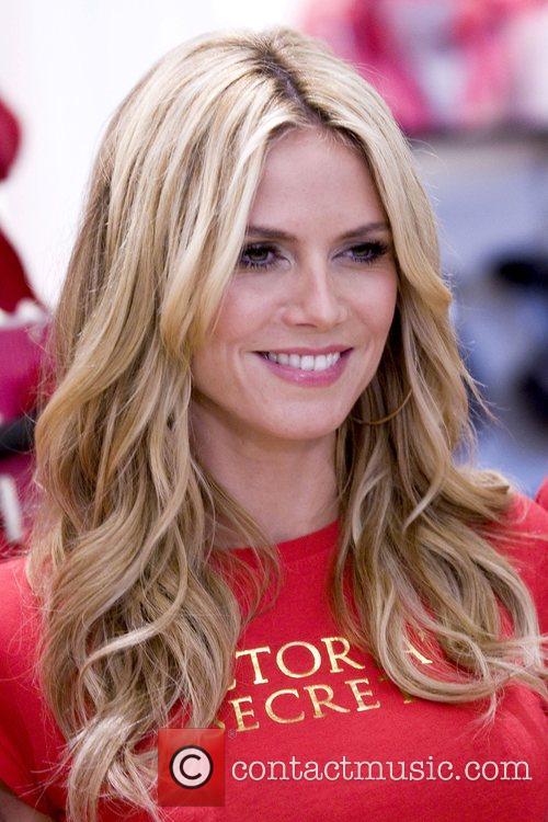 Heidi Klum Victoria's Secret Angels share their favorite...