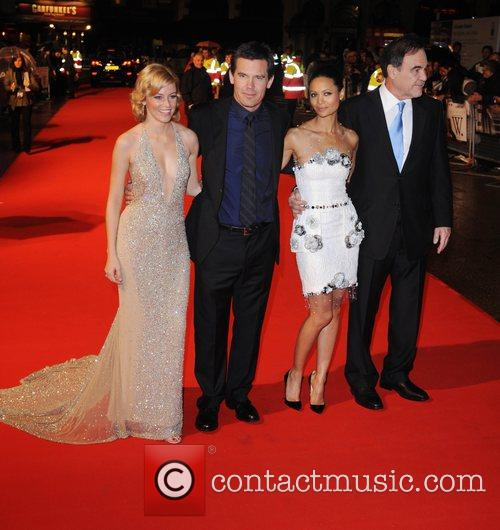 Elizabeth Banks, Josh Brolin, Oliver Stone and Thandie Newton 2