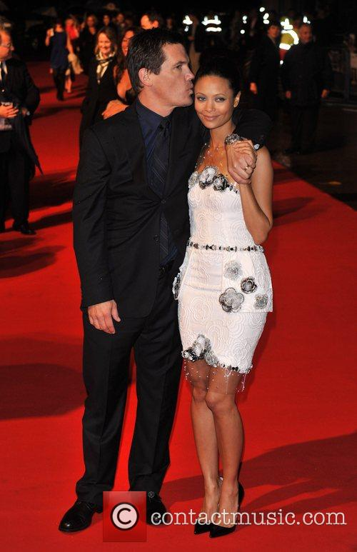 Josh Brolin and Thandie Newton 1