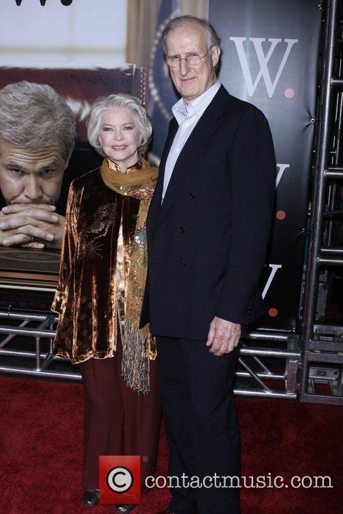 Ellen Burstyn and James Cromwell 2