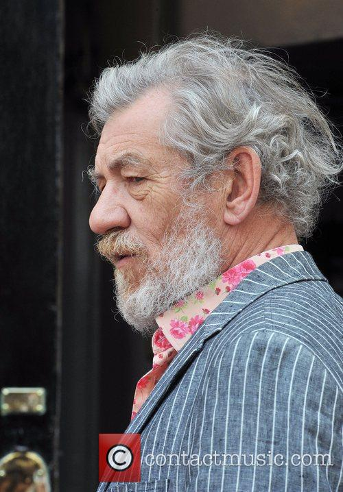 Ian McKellen Photocall with the cast of 'Waiting...