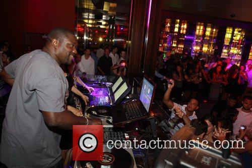 Warren Sapp at Aura nightclub Nassau, Bahamas 02.05.09