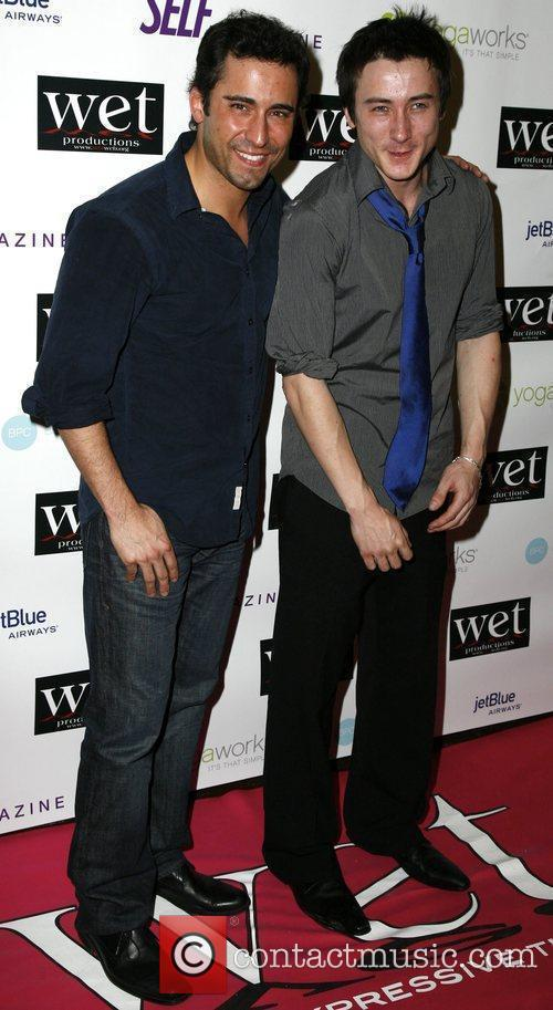 John Lloyd Young, Alex Frost LOVE Benefit to...