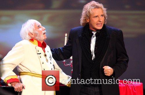 Johannes Heesters and Thomas Gottschalk on German TV...