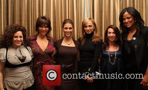 Marissa Jaret Winokur, Lisa Rinna, Samantha Harris, Karina...