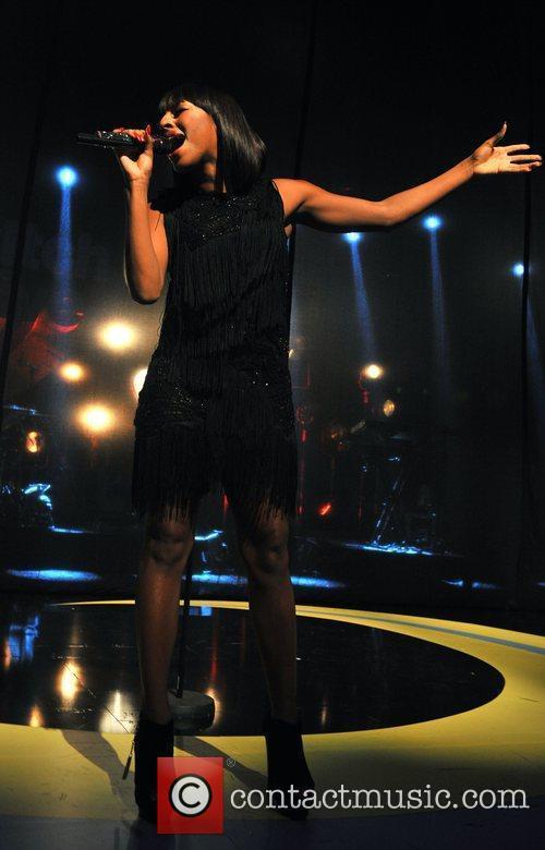 Alexandra Burke 9