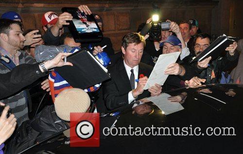 Wayne Gretzky signs autographs Hockey Hall of Fame...