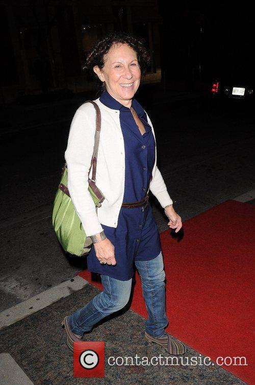 Rhea Perlman 5