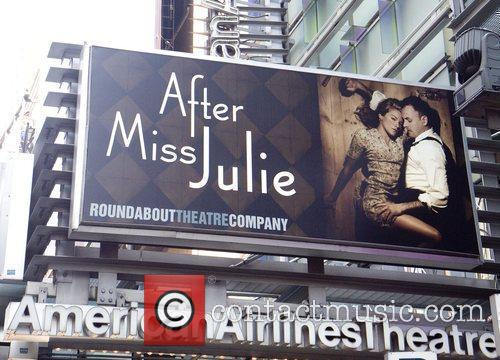 Sienna Miller and Jonny Lee Miller 7