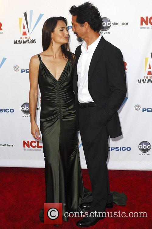 Talisa Soto and Benjamin Bratt 1