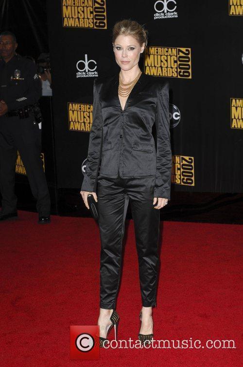 Julie Bowen 2009 American Music Awards - Arrivals...