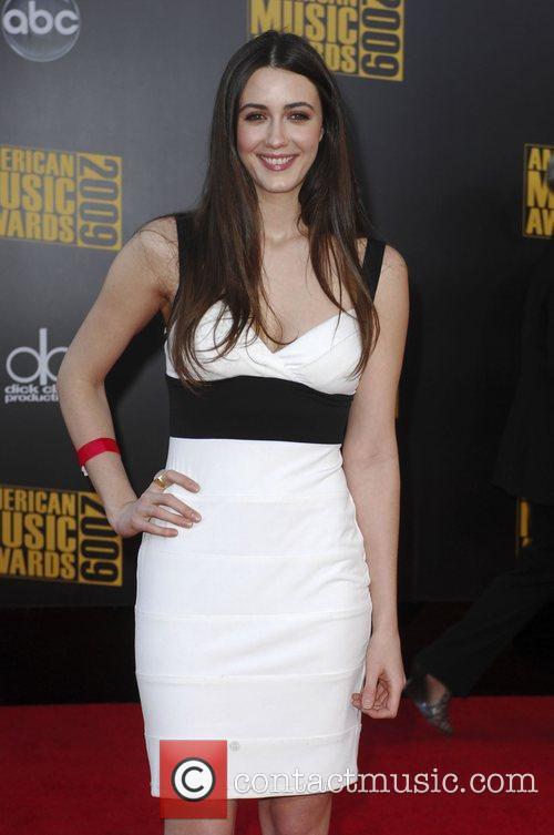 Madeline Zima 2009 American Music Awards - Arrivals...