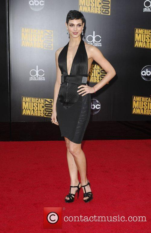Morena Baccarin 2009 American Music Awards - Arrivals...