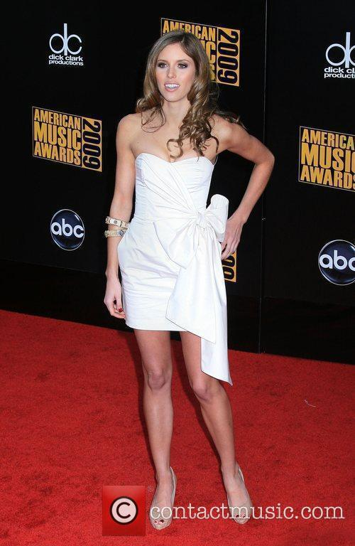 Julie Moran 2009 American Music Awards - Arrivals...