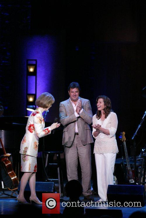 Amy Grant, Vince Gill Challenge America, honoring wounded...