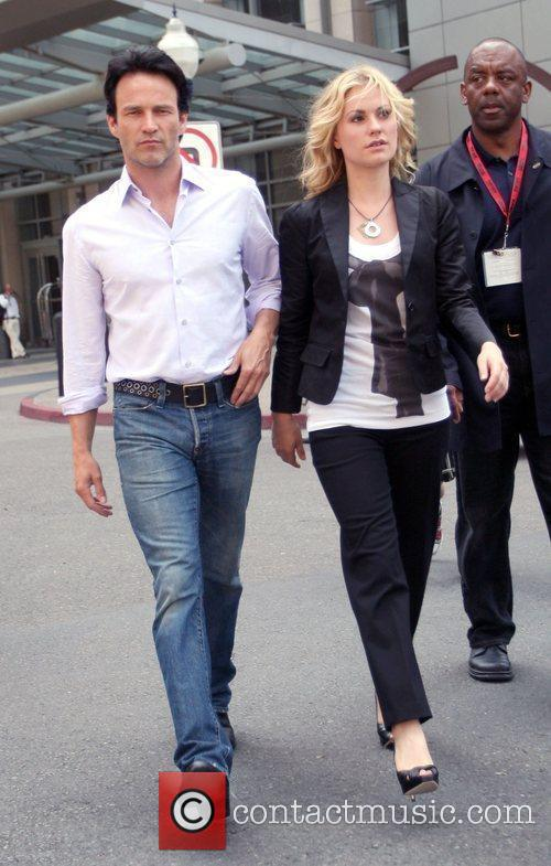 Stephen Moyer and Anna Paquin 2