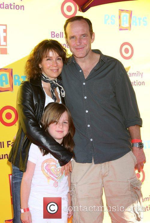 Jennifer Grey & Clark Gregg & daughter 2009...