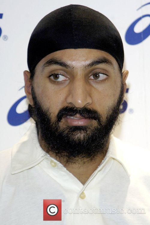 Monty Panesar England and Australian cricket players are...