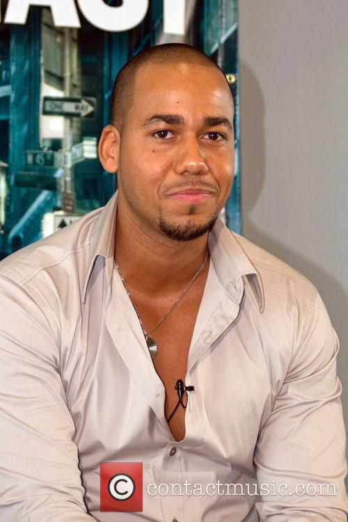Anthony Romeo Santos 4