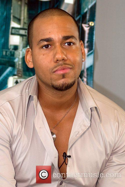 Anthony Romeo Santos 5