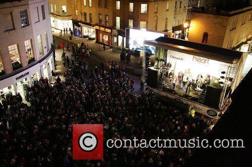 Atmosphere - Crowds Gathering around the main stage...