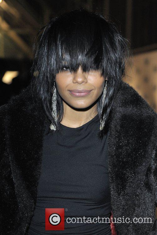 Fefe Dobson Bell Gala 2009 in aid of...