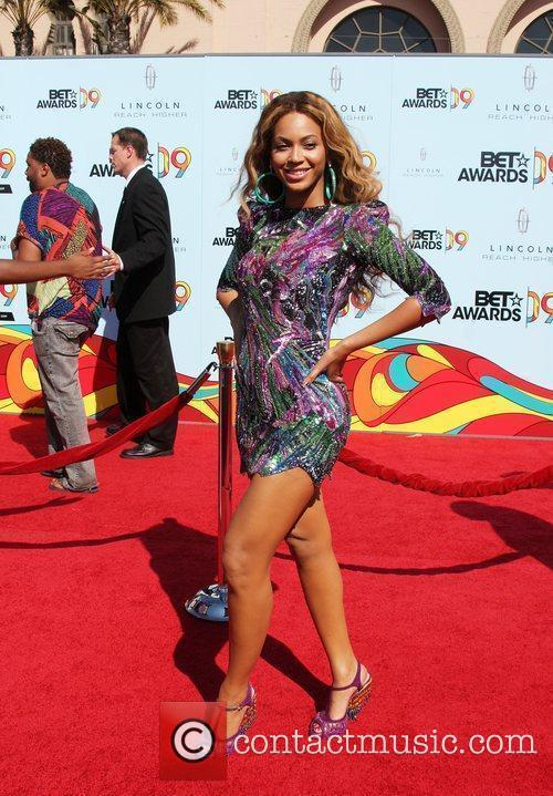 Beyonce Knowles and Bet Awards 4