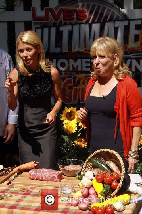 Kelly Ripa and Bette Midler 11
