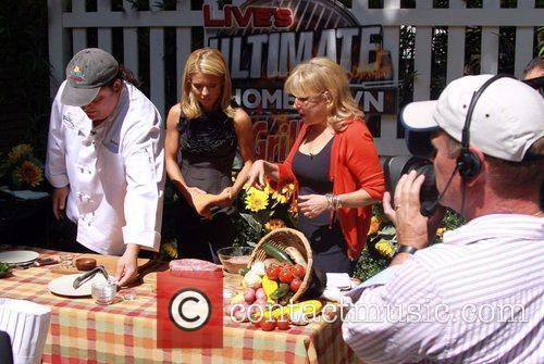 Kelly Ripa and Bette Midler 14