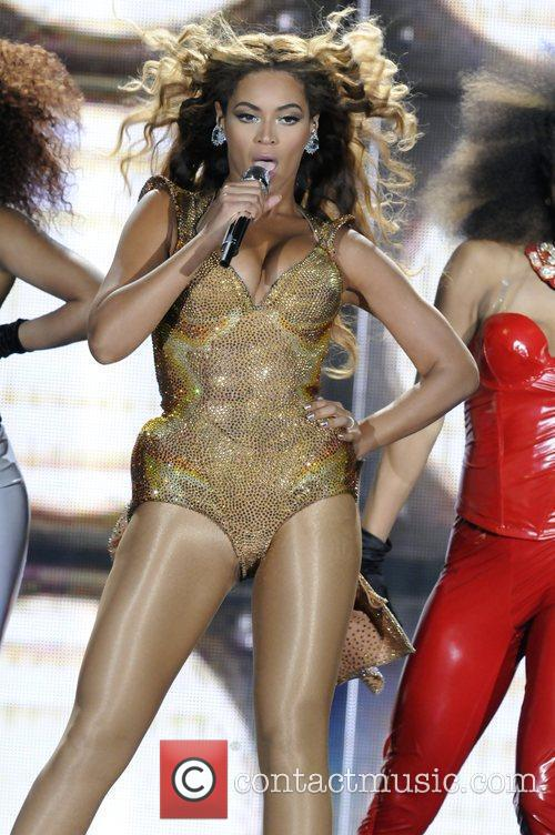Beyonce Knowles and Staples Center 3