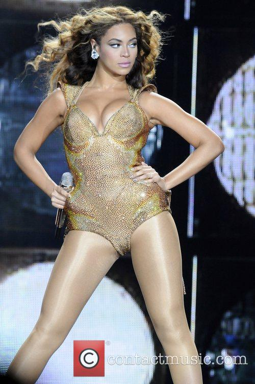 Beyonce Knowles and Staples Center 8