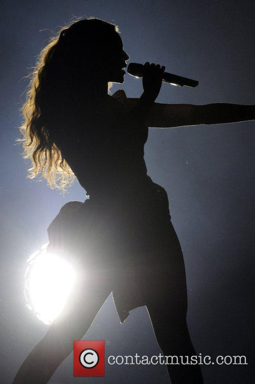 Beyonce Knowles and Staples Center 17