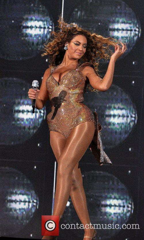 Beyonce Knowles performing at the o2 Arena