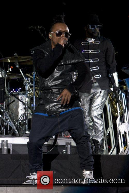 Black Eyed Peas open U2's 360 Tour at...